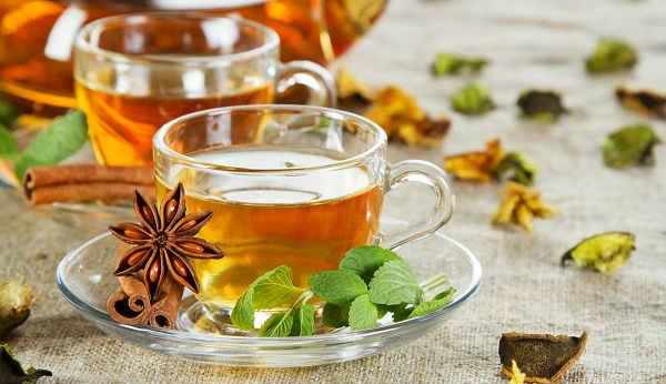 Cách dùng trà thảo dược chữa bệnh mề đay