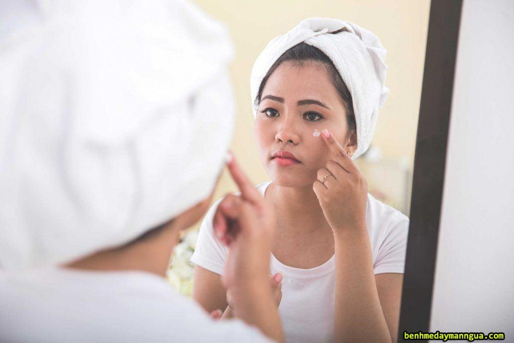 Phòng tránh dị ứng da mặt bằng cách chăm sóc da đúng cách