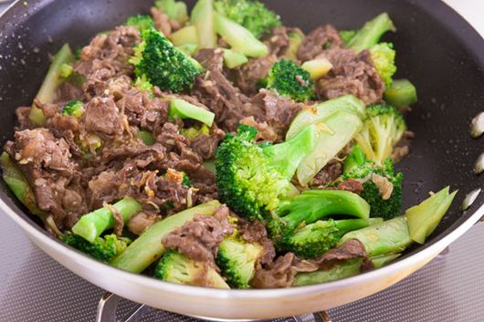 Beef and broccoli stir-fried with oyster sauce.