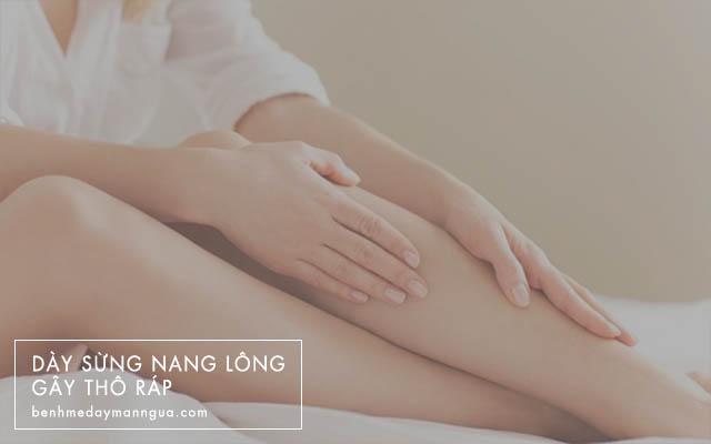 dày sừng nang lông gây thô ráp da