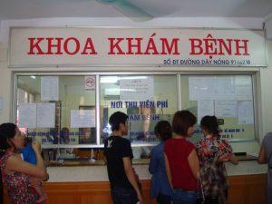 kinh-nghiem-di-kham-da-lieu-tai-benh-vien-bach-mai-ha-noi2