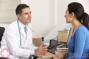 Tìm gặp bác sĩ khi bị mề đay tự phát mãn tính