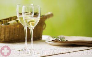 Không nên thoa rượu khi bị mề đay