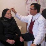 Thực hư chữa mề đay bằng diện chẩn liệu có tốt không?