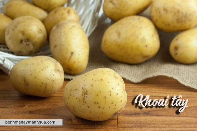 chữa phát ban do thời tiết bằng khoai tây
