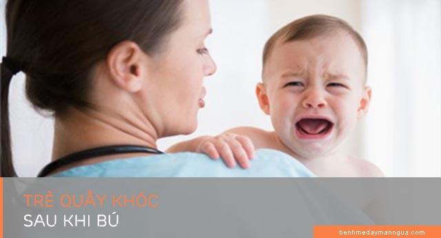 dấu hiệu trẻ bị dị ứng sau khi bú mẹ